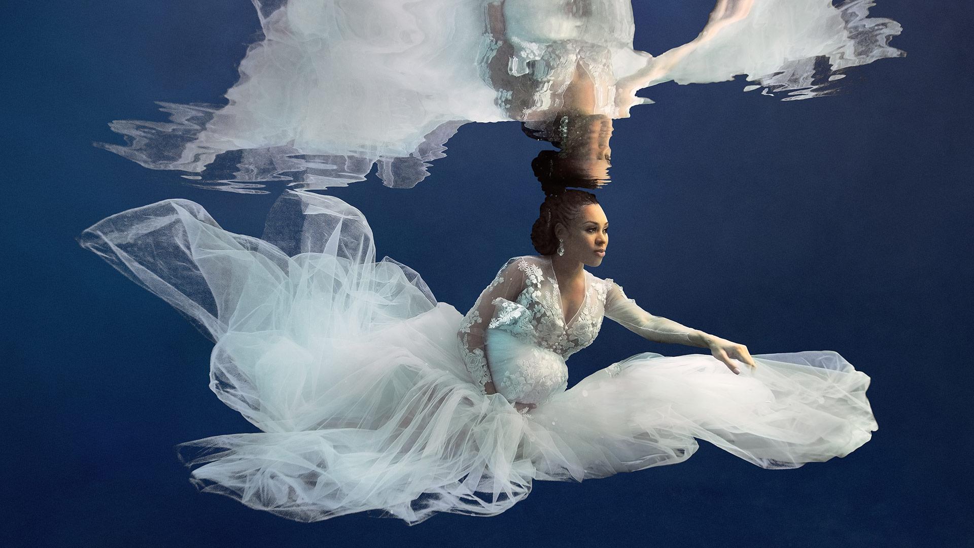 Underwater Maternity Photoshoot
