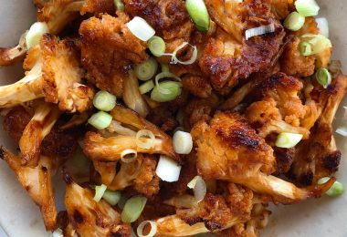 Sweet and Spicy BBQ Cauliflower Bites